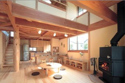 郷の家 施工事例 暖炉のある居室